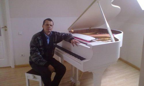 Nuomojamas fortepijonas Carl Ebel